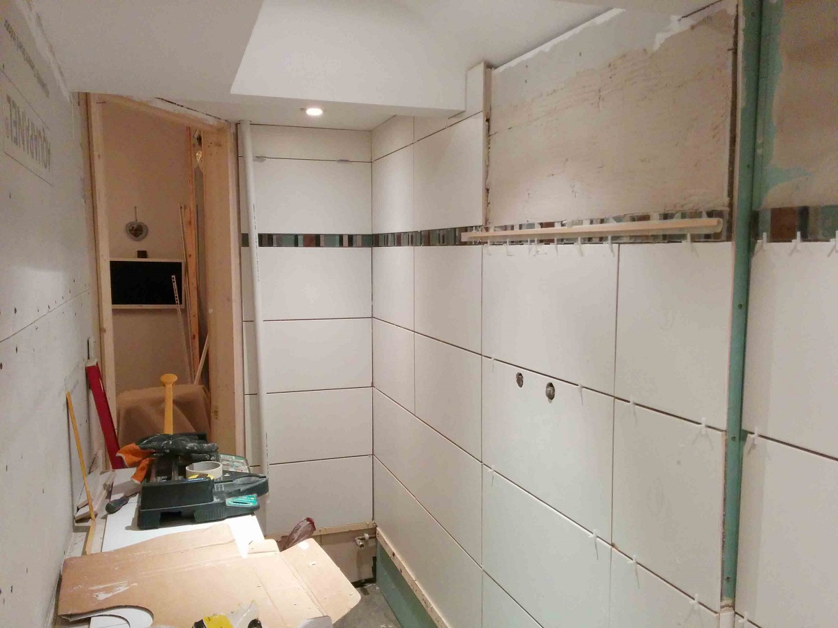 installation-of-shower-and-toilet